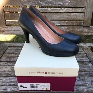 Naturalizer Michelle Pumps In Navy With